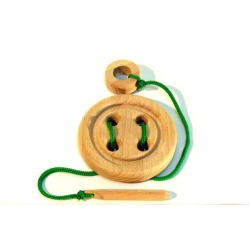 Шнуровка Пуговица деревянная 4 отверстия с деревянной иголкой Розумний лис 90010